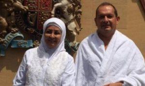 أسلم بعد قضائه 30 عاما بين المسلمين