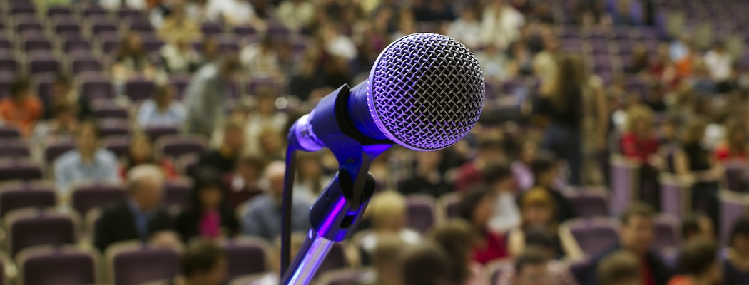 Do you dread public speaking? Do feel frozen up before of groups or audience? Take some profitable cues here…